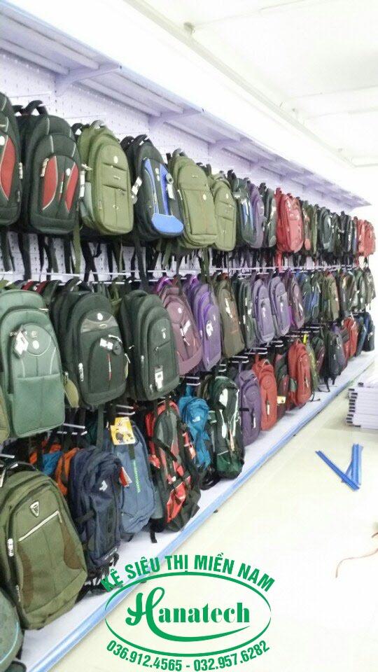 Kệ Balo túi xách tại TPHCM