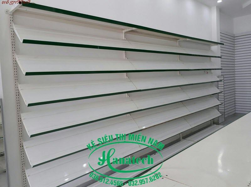 Kệ cửa hàng giày dép tại TPHCM