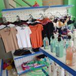 Kệ móc treo quần áo cửa hàng tại TPHCM
