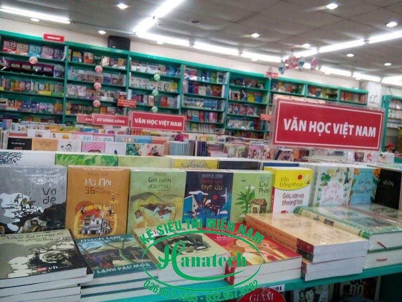 Kệ siêu thị sách tại Long An