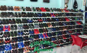 Kệ trưng bày giày dép đẹp tại Long An