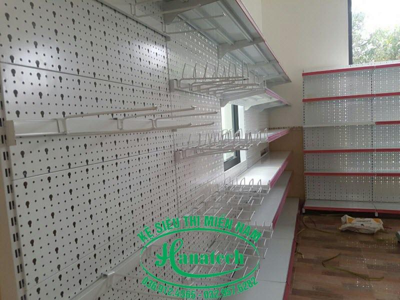Kệ tôn lỗ áp tường tại Vũng Tàu