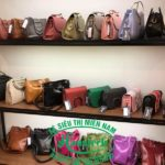 Kệ cửa hàng balo túi xách tại Bình Dương