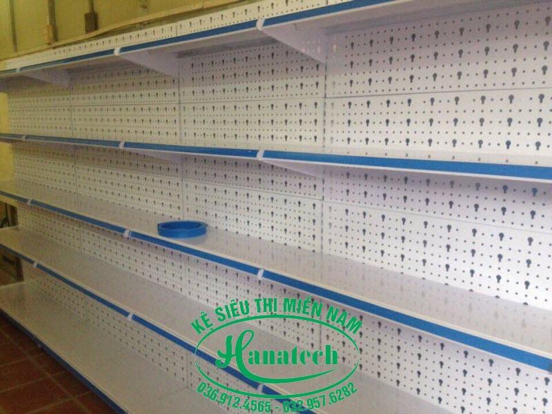 Kệ siêu thị giá rẻ tại Bình Dương loại đơn lưng đục lỗ